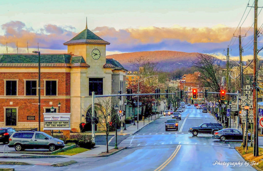 Looking Down Main St West at Main and Broad St (Peekskill)